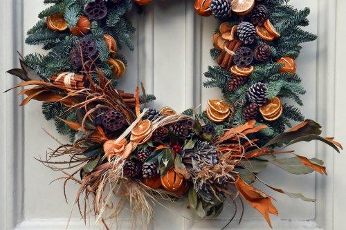 Virtual Wreath Making gallery 2
