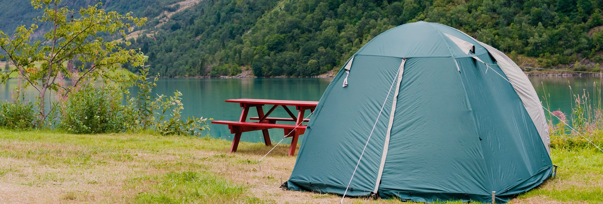 blindfold tent pitching